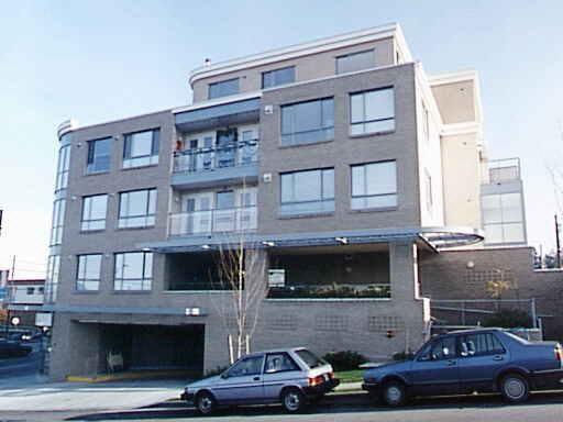 Main Photo: 211 5818 LINCOLN STREET in : Killarney VE Condo for sale : MLS®# V359165