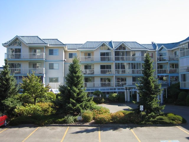 "Main Photo: 217 31930 OLD YALE Road in Abbotsford: Abbotsford West Condo for sale in ""Royal Court"" : MLS®# R2090634"