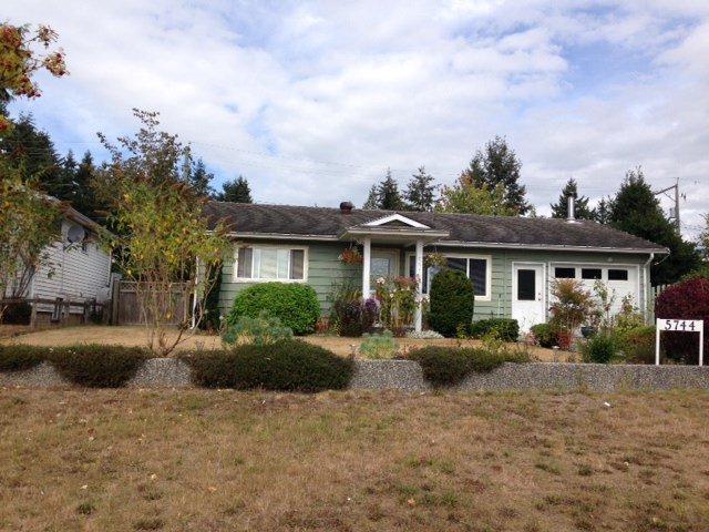 Main Photo: 5744 MERMAID Street in Sechelt: Sechelt District House for sale (Sunshine Coast)  : MLS®# R2104451
