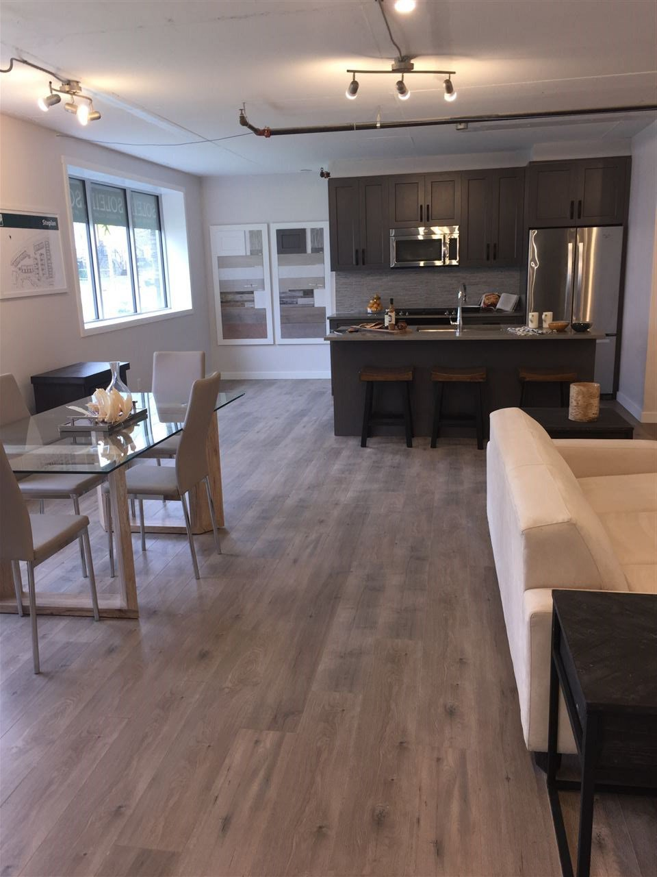 "Photo 4: Photos: 74 1188 MAIN Street in Squamish: Downtown SQ Condo for sale in ""SOLEIL AT COASTAL VILLAGE"" : MLS®# R2123052"