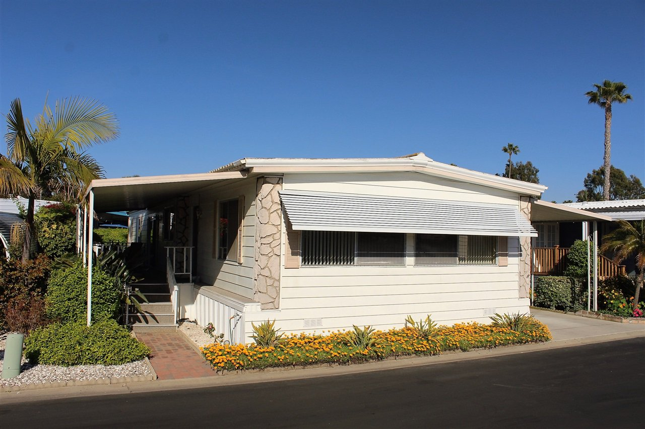 Main Photo: CARLSBAD WEST Manufactured Home for sale : 2 bedrooms : 7016 San Carlos #61 in Carlsbad