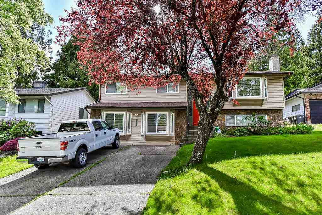 Main Photo: 5807 170A Street in Surrey: Cloverdale BC House for sale (Cloverdale)  : MLS®# R2168653