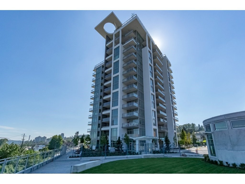 "Main Photo: 105 200 NELSON'S Crescent in New Westminster: Sapperton Condo for sale in ""BREWERY DISTRICT - SAPPERTON"" : MLS®# R2189809"
