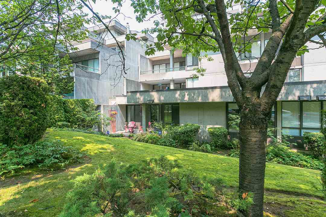 """Main Photo: T3207 3980 CARRIGAN Court in Burnaby: Government Road Townhouse for sale in """"DISCOVERY PLACE"""" (Burnaby North)  : MLS®# R2196843"""