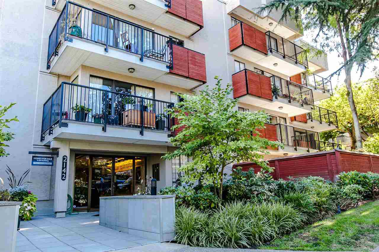 Main Photo: 406 2142 CAROLINA Street in Vancouver: Mount Pleasant VE Condo for sale (Vancouver East)  : MLS®# R2207003