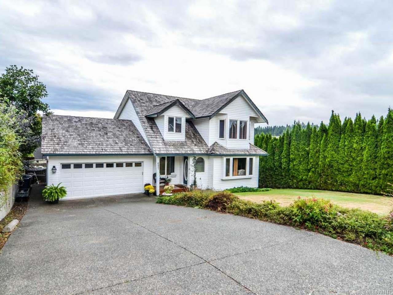 Main Photo: 697 Steenbuck Dr in CAMPBELL RIVER: CR Campbell River Central House for sale (Campbell River)  : MLS®# 771117