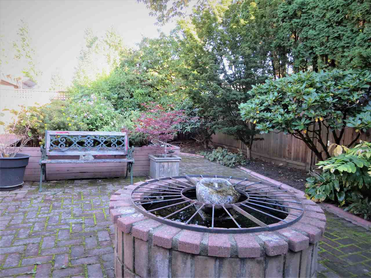 Photo 8: Photos: 10560 HOGARTH Drive in Richmond: Woodwards House for sale : MLS®# R2213924