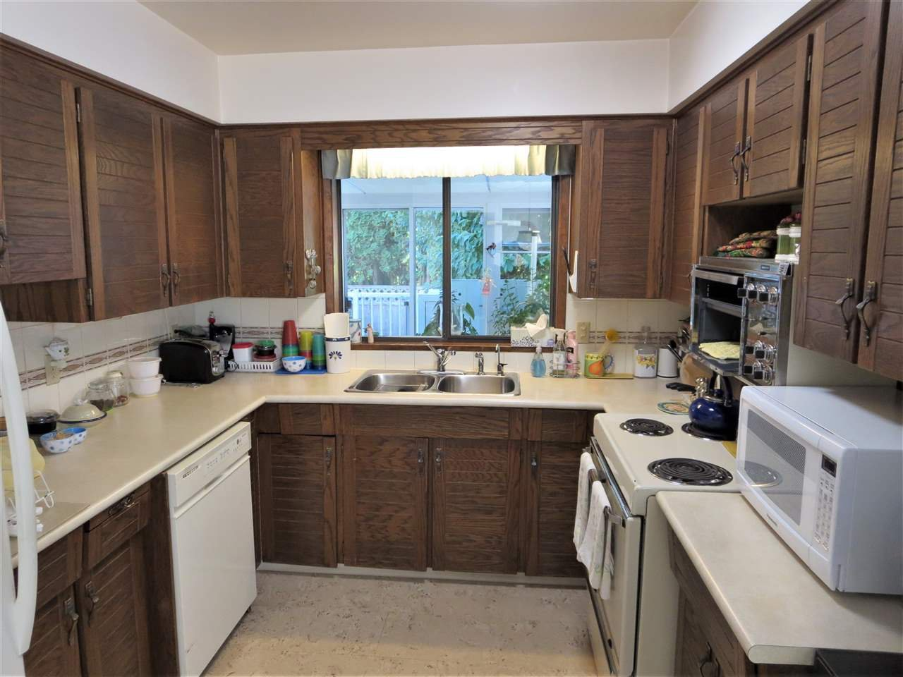 Photo 4: Photos: 10560 HOGARTH Drive in Richmond: Woodwards House for sale : MLS®# R2213924
