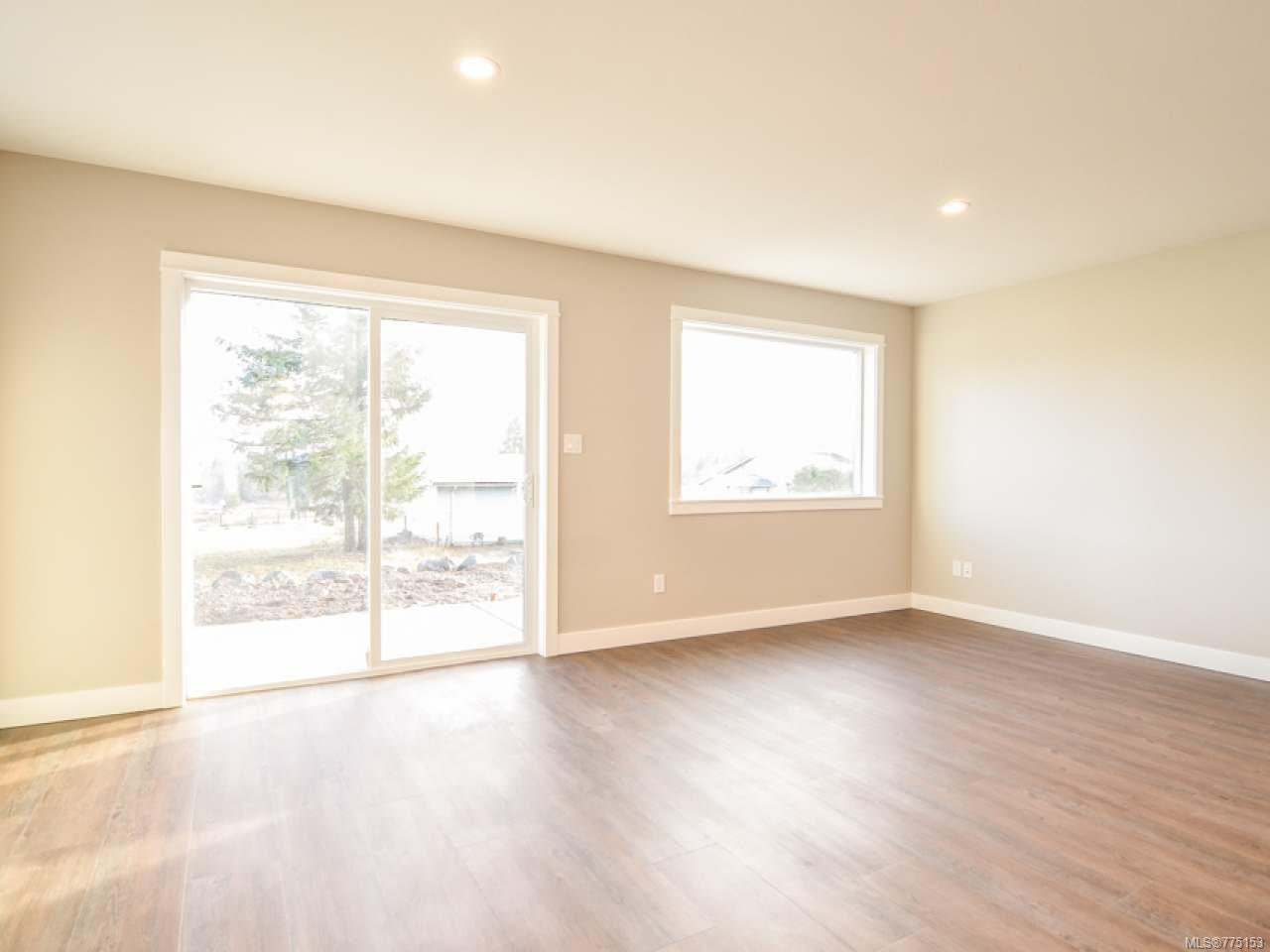 Photo 5: Photos: 2 595 Petersen Rd in CAMPBELL RIVER: CR Campbell River West Half Duplex for sale (Campbell River)  : MLS®# 775153