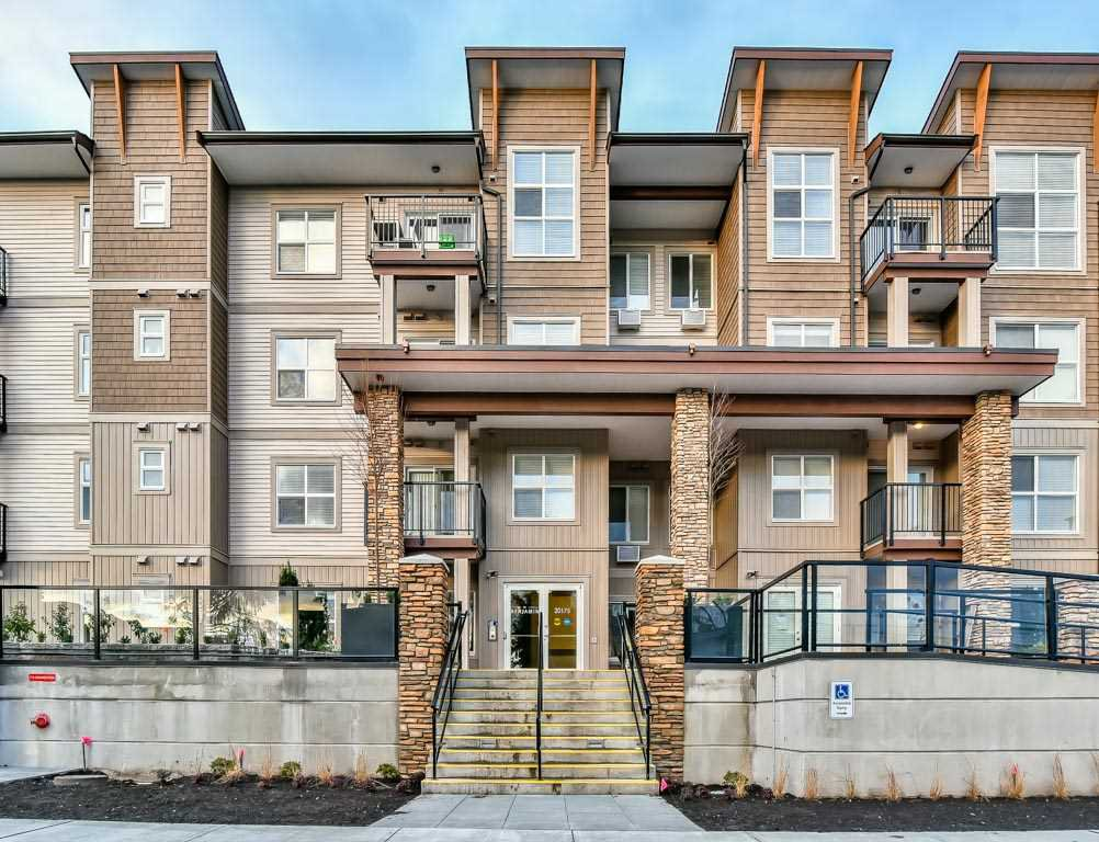 Main Photo: 209 20175 53 Avenue in Langley: Langley City Condo for sale : MLS®# R2226300