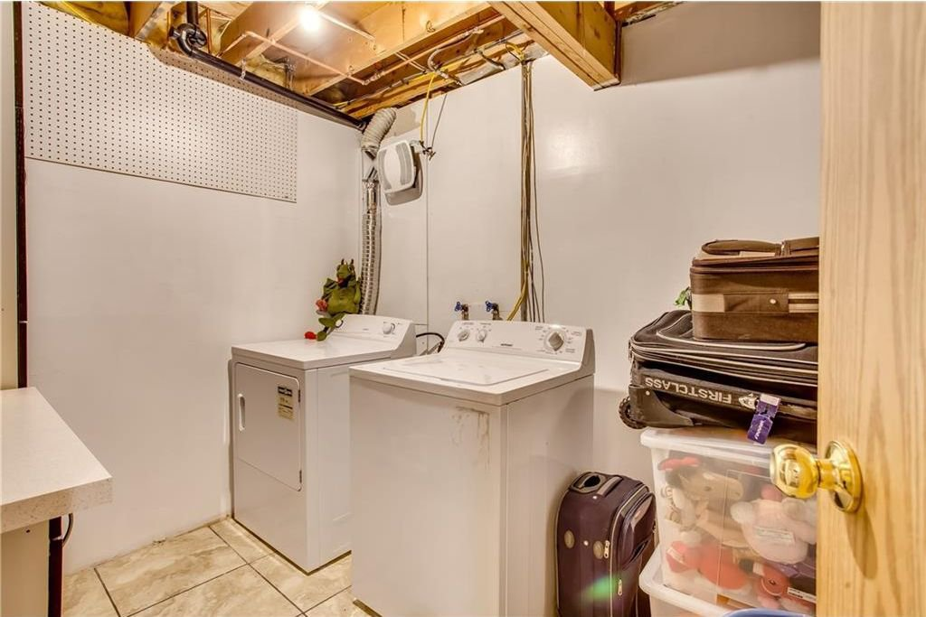 Photo 35: Photos: 111 ERIN RIDGE Road SE in Calgary: Erin Woods House for sale : MLS®# C4162823