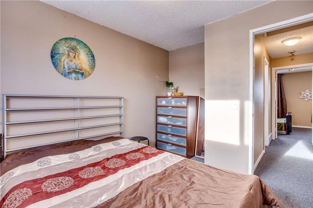 Photo 24: Photos: 111 ERIN RIDGE Road SE in Calgary: Erin Woods House for sale : MLS®# C4162823
