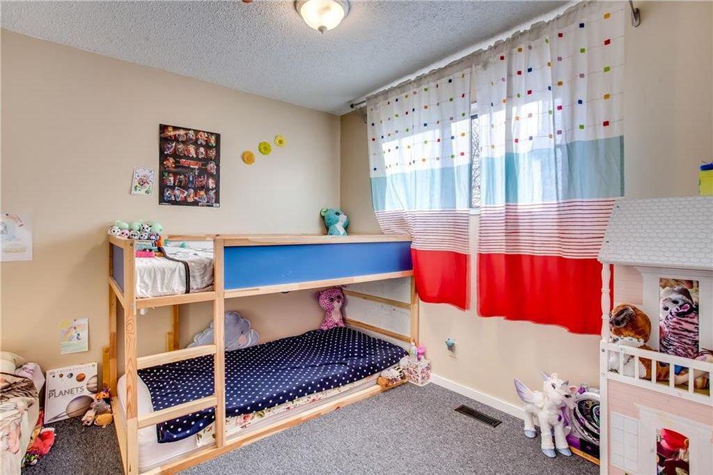 Photo 25: Photos: 111 ERIN RIDGE Road SE in Calgary: Erin Woods House for sale : MLS®# C4162823