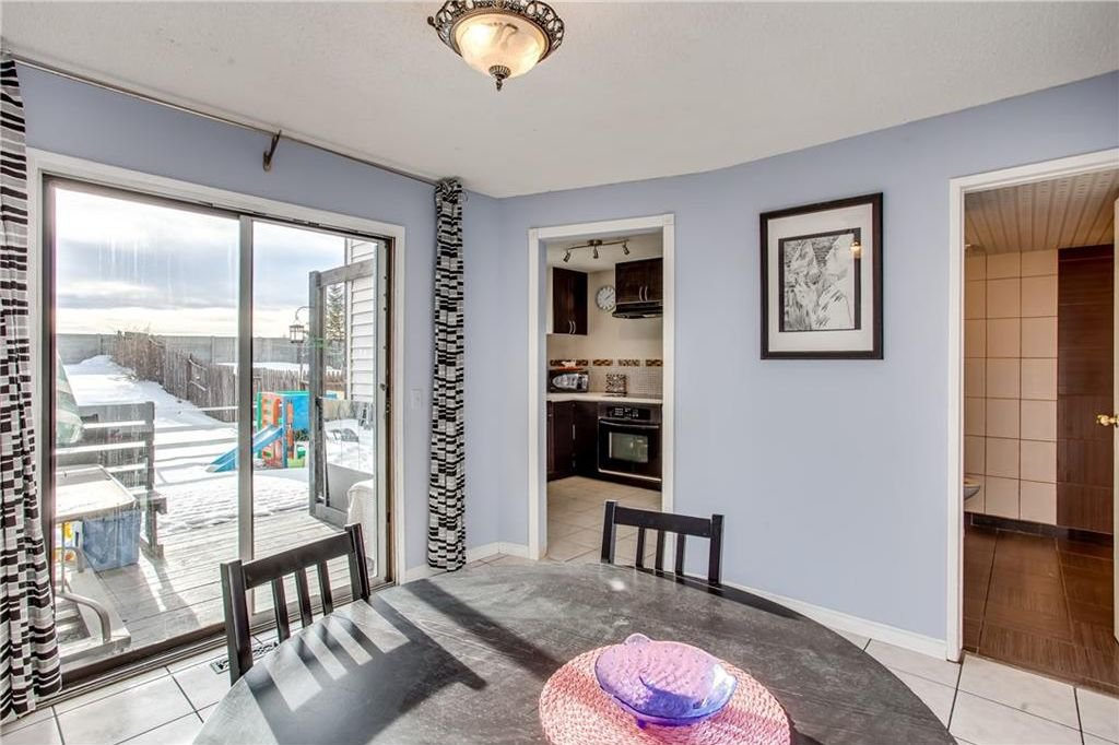 Photo 16: Photos: 111 ERIN RIDGE Road SE in Calgary: Erin Woods House for sale : MLS®# C4162823