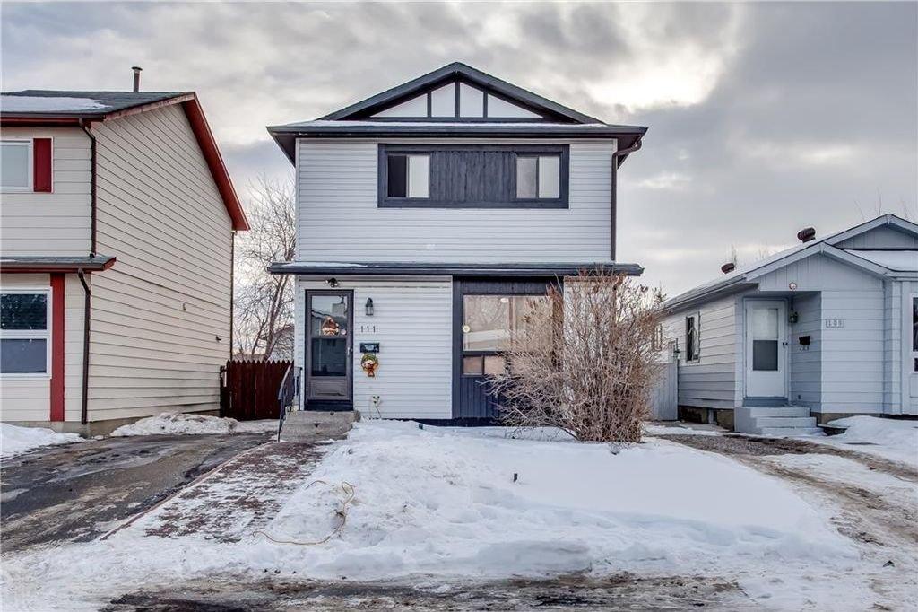 Photo 2: Photos: 111 ERIN RIDGE Road SE in Calgary: Erin Woods House for sale : MLS®# C4162823