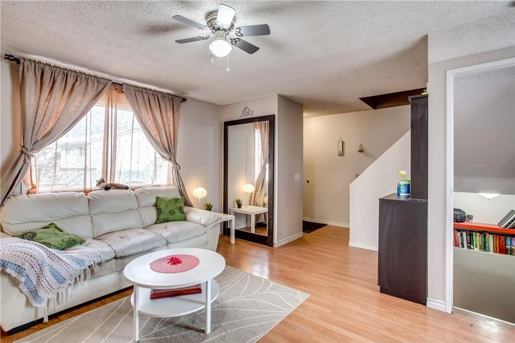 Photo 10: Photos: 111 ERIN RIDGE Road SE in Calgary: Erin Woods House for sale : MLS®# C4162823