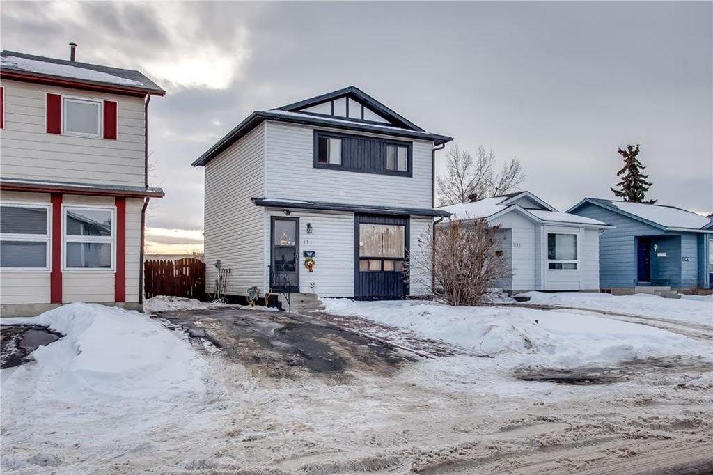 Photo 3: Photos: 111 ERIN RIDGE Road SE in Calgary: Erin Woods House for sale : MLS®# C4162823