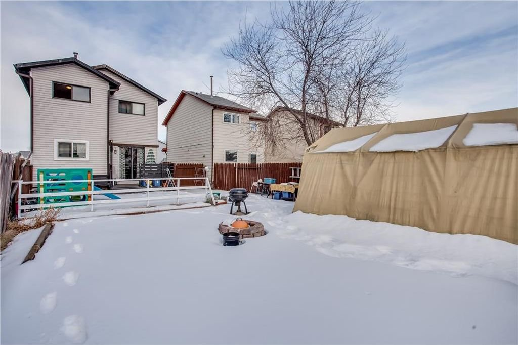 Photo 41: Photos: 111 ERIN RIDGE Road SE in Calgary: Erin Woods House for sale : MLS®# C4162823