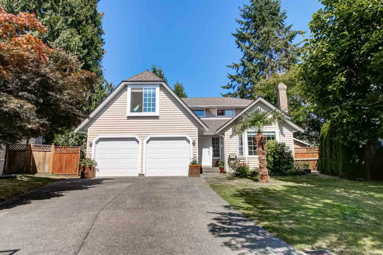 Main Photo: 15733 98A AVENUE in Surrey: Guildford House for sale (North Surrey)  : MLS®# R2198262