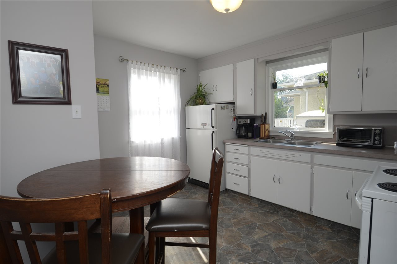 Photo 13: Photos: 11825 55 Street in Edmonton: Zone 06 House for sale : MLS®# E4124275
