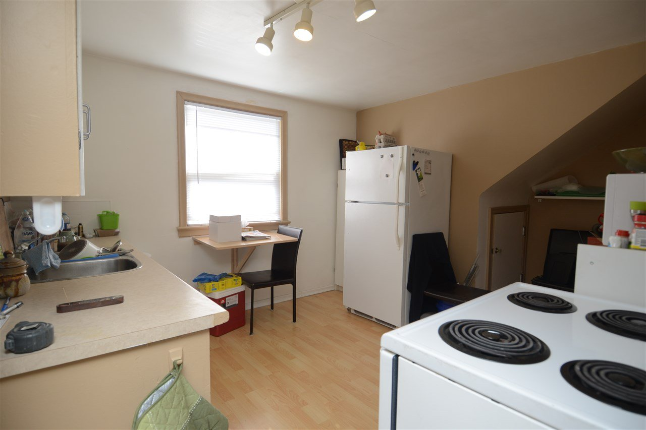 Photo 4: Photos: 11825 55 Street in Edmonton: Zone 06 House for sale : MLS®# E4124275