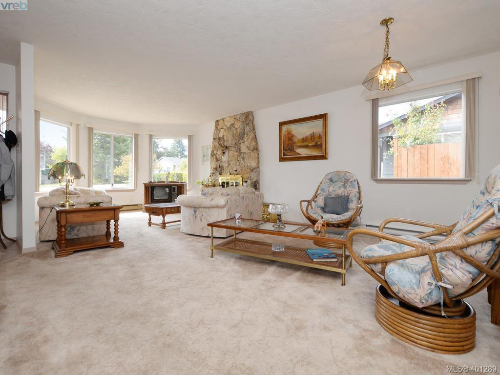 Photo 5: Photos: 6538 E Grant Rd in SOOKE: Sk Sooke Vill Core House for sale (Sooke)  : MLS®# 800804
