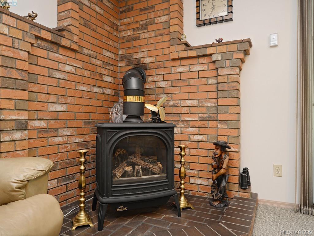 Photo 11: Photos: 6538 E Grant Rd in SOOKE: Sk Sooke Vill Core House for sale (Sooke)  : MLS®# 800804