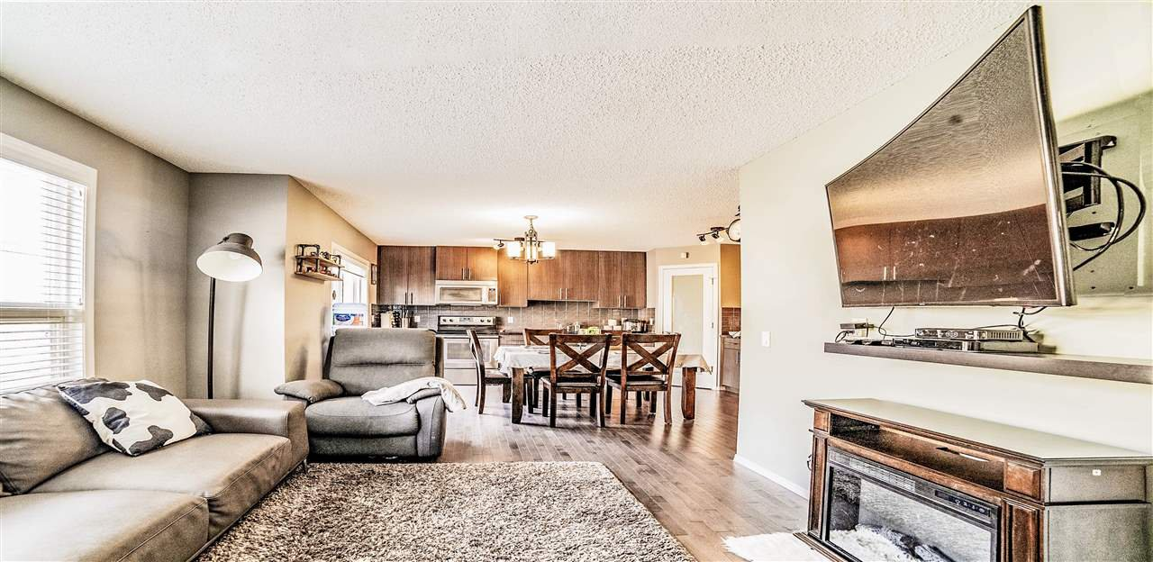 Main Photo: 41 13838 166 Avenue NW in Edmonton: Zone 27 Townhouse for sale : MLS®# E4149864