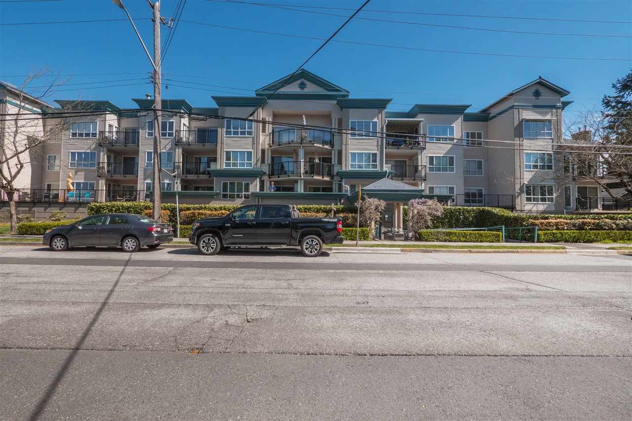 "Main Photo: 204 20727 DOUGLAS Crescent in Langley: Langley City Condo for sale in ""Josephs Court"" : MLS®# R2385938"