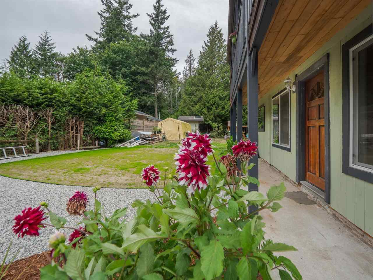 Photo 18: Photos: 1625 BLOWER Road in Sechelt: Sechelt District House for sale (Sunshine Coast)  : MLS®# R2394268