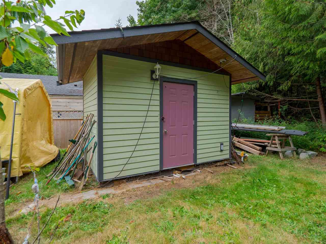 Photo 16: Photos: 1625 BLOWER Road in Sechelt: Sechelt District House for sale (Sunshine Coast)  : MLS®# R2394268