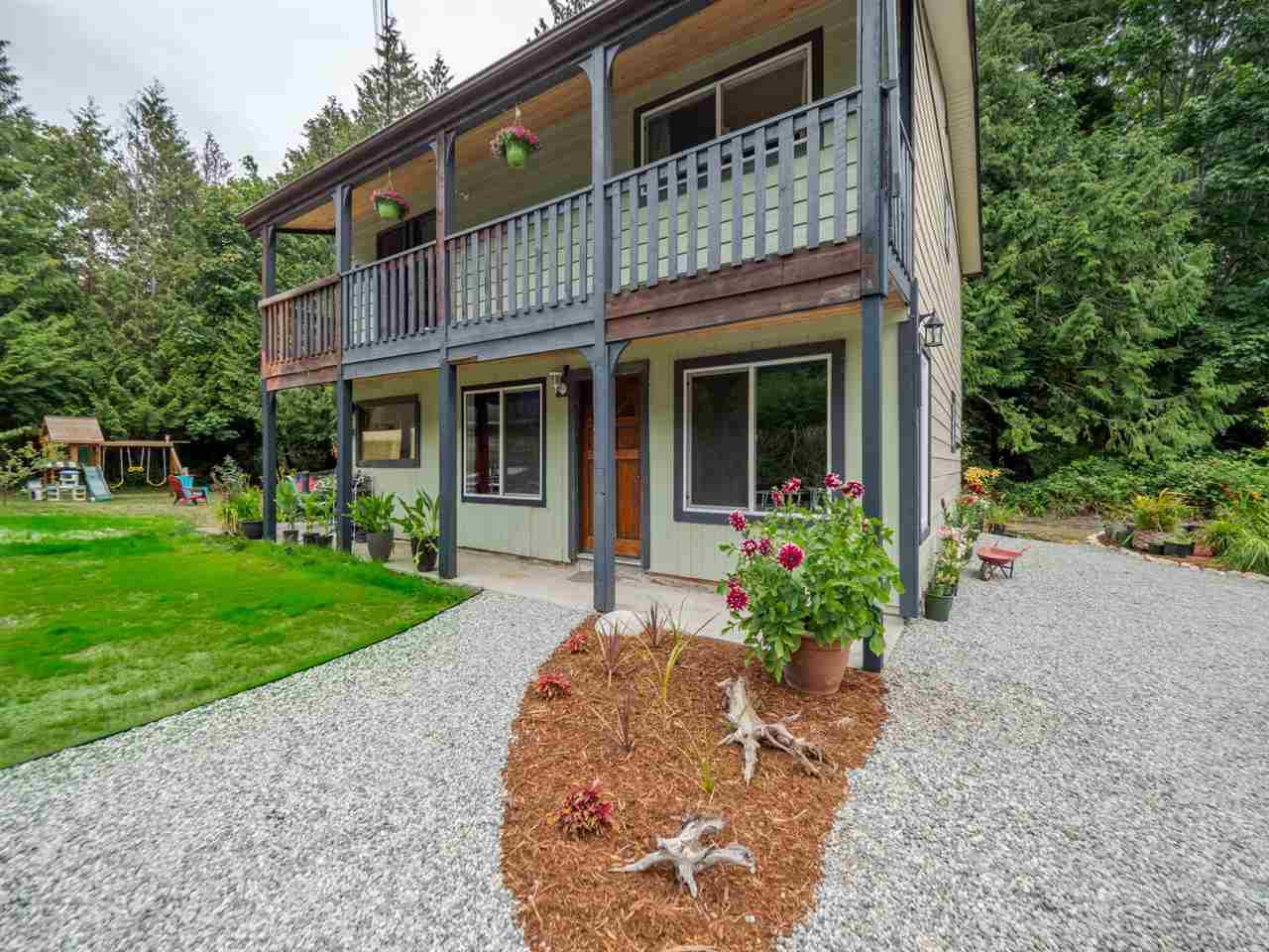 Photo 17: Photos: 1625 BLOWER Road in Sechelt: Sechelt District House for sale (Sunshine Coast)  : MLS®# R2394268