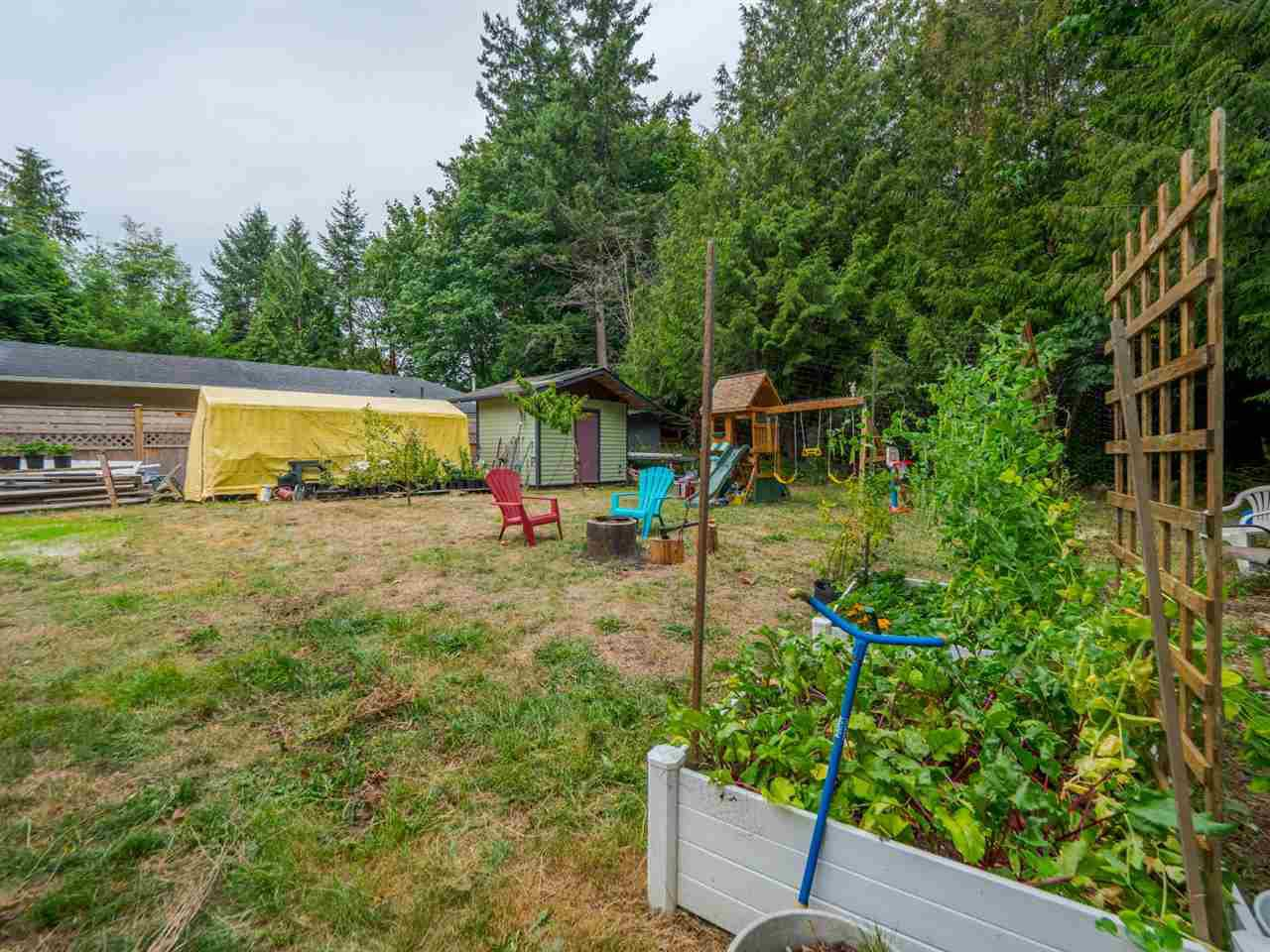 Photo 15: Photos: 1625 BLOWER Road in Sechelt: Sechelt District House for sale (Sunshine Coast)  : MLS®# R2394268
