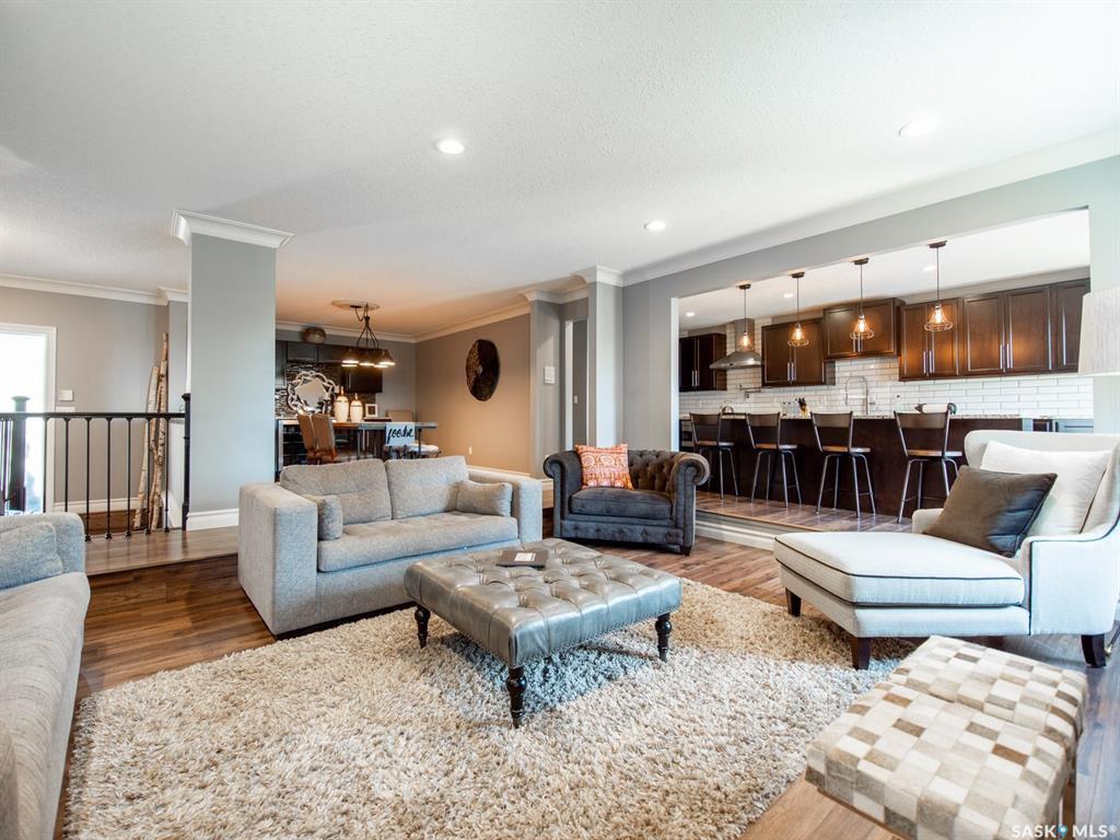 Main Photo: 321 Avon Drive in Regina: Gardiner Park Residential for sale : MLS®# SK785056