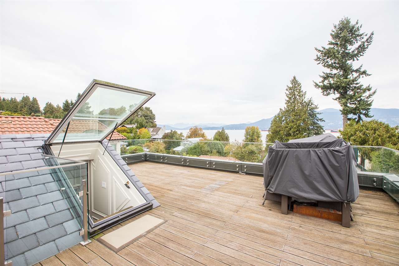 Photo 17: Photos: 4639 SIMPSON Avenue in Vancouver: Point Grey House for sale (Vancouver West)  : MLS®# R2412221