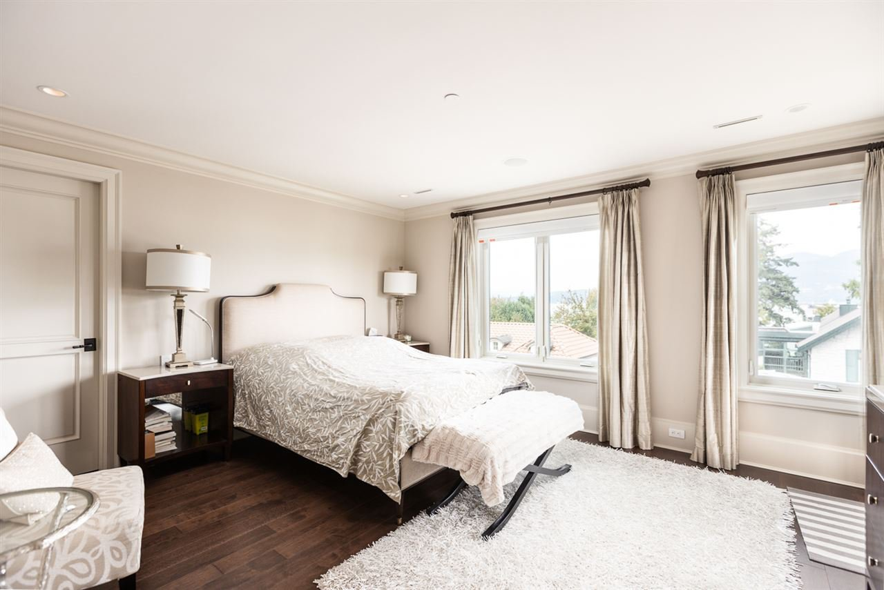 Photo 9: Photos: 4639 SIMPSON Avenue in Vancouver: Point Grey House for sale (Vancouver West)  : MLS®# R2412221