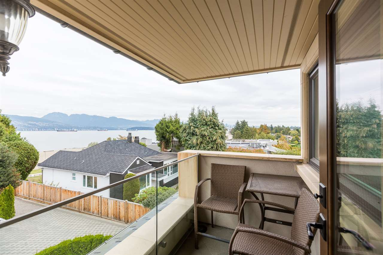 Photo 12: Photos: 4639 SIMPSON Avenue in Vancouver: Point Grey House for sale (Vancouver West)  : MLS®# R2412221