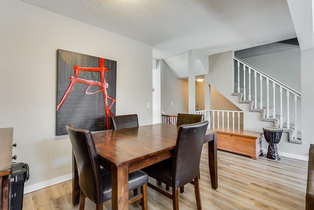 Photo 8: Photos: 198 Patina Park SW in Calgary: Patterson Row/Townhouse for sale : MLS®# C4303125