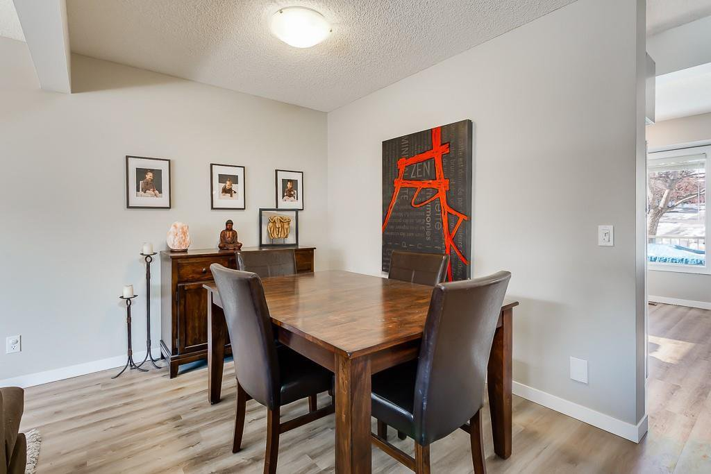 Photo 7: Photos: 198 Patina Park SW in Calgary: Patterson Row/Townhouse for sale : MLS®# C4303125