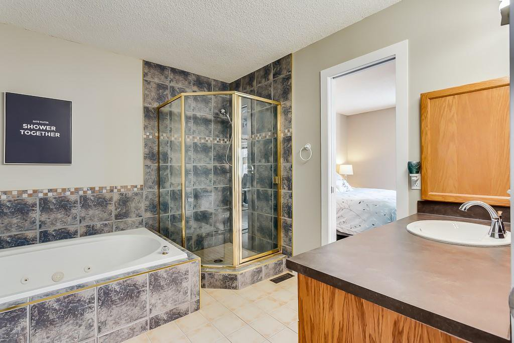 Photo 15: Photos: 198 Patina Park SW in Calgary: Patterson Row/Townhouse for sale : MLS®# C4303125