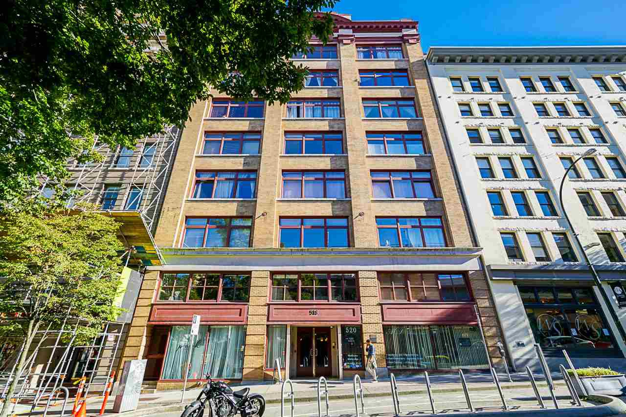 "Main Photo: B1 518 BEATTY Street in Vancouver: Downtown VW Condo for sale in ""Studio 518"" (Vancouver West)  : MLS®# R2528416"