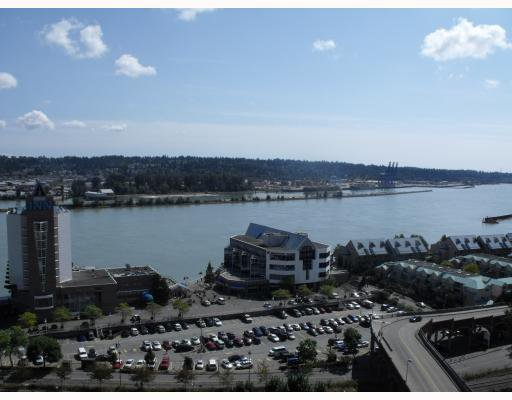 Main Photo: 2010 892 Carnarvon Street in New Westminster: Condo for sale : MLS®# V783645
