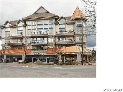 Main Photo: 404 866 Goldstream Avenue in VICTORIA: La Langford Proper Condo for sale (Langford)  : MLS®# 320720