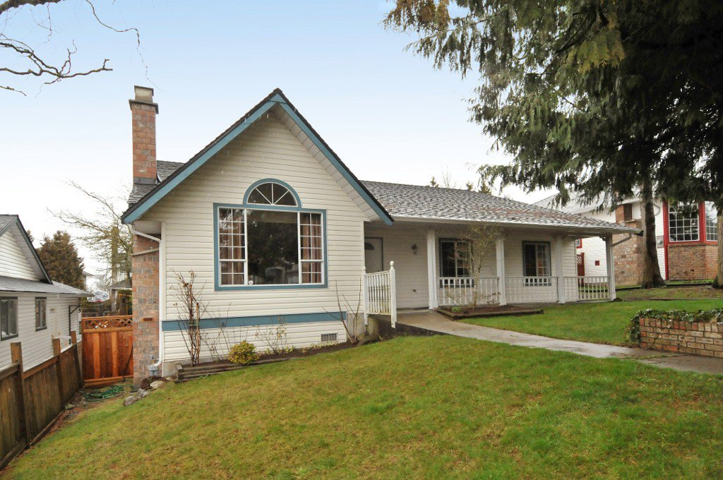 Main Photo: 18055 64TH Avenue in Surrey: Cloverdale BC House for sale (Cloverdale)  : MLS®# F1405345