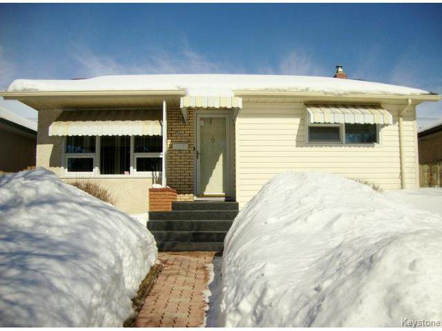 Main Photo: 451 MELBOURNE Avenue in WINNIPEG: East Kildonan Residential for sale (North East Winnipeg)  : MLS®# 1403957