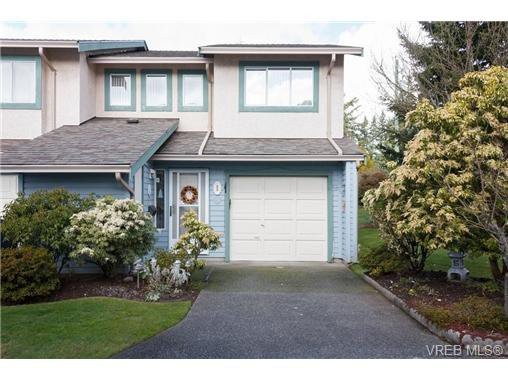 Main Photo: 1 515 Mount View Avenue in VICTORIA: Co Hatley Park Townhouse for sale (Colwood)  : MLS®# 334460