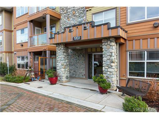 Main Photo: 213 1959 Polo Park Crt in SAANICHTON: CS Saanichton Condo Apartment for sale (Central Saanich)  : MLS®# 719040