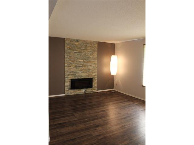 Photo 3: Photos: 3644 28 Avenue SE in Calgary: Dover House for sale : MLS®# C4063235