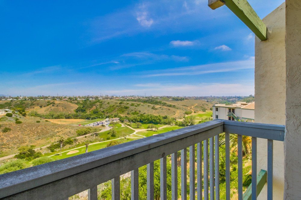 Main Photo: CLAIREMONT Condo for sale : 2 bedrooms : 2929 Cowley #H in San Diego