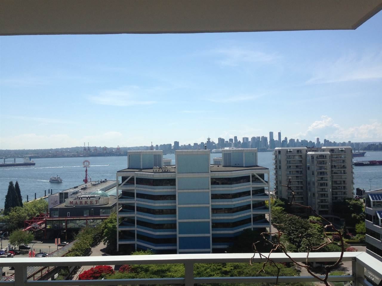 """Main Photo: 1003 155 W 1ST Street in North Vancouver: Lower Lonsdale Condo for sale in """"Time"""" : MLS®# R2081956"""
